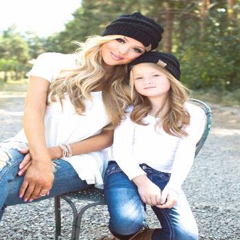 mother daughter photography fashion Family Photography Mother daughter photography fashion _ mutter