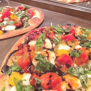 Posted a new recipe on my website: Flatbread Pizza ?    This recipe can be adapted for any