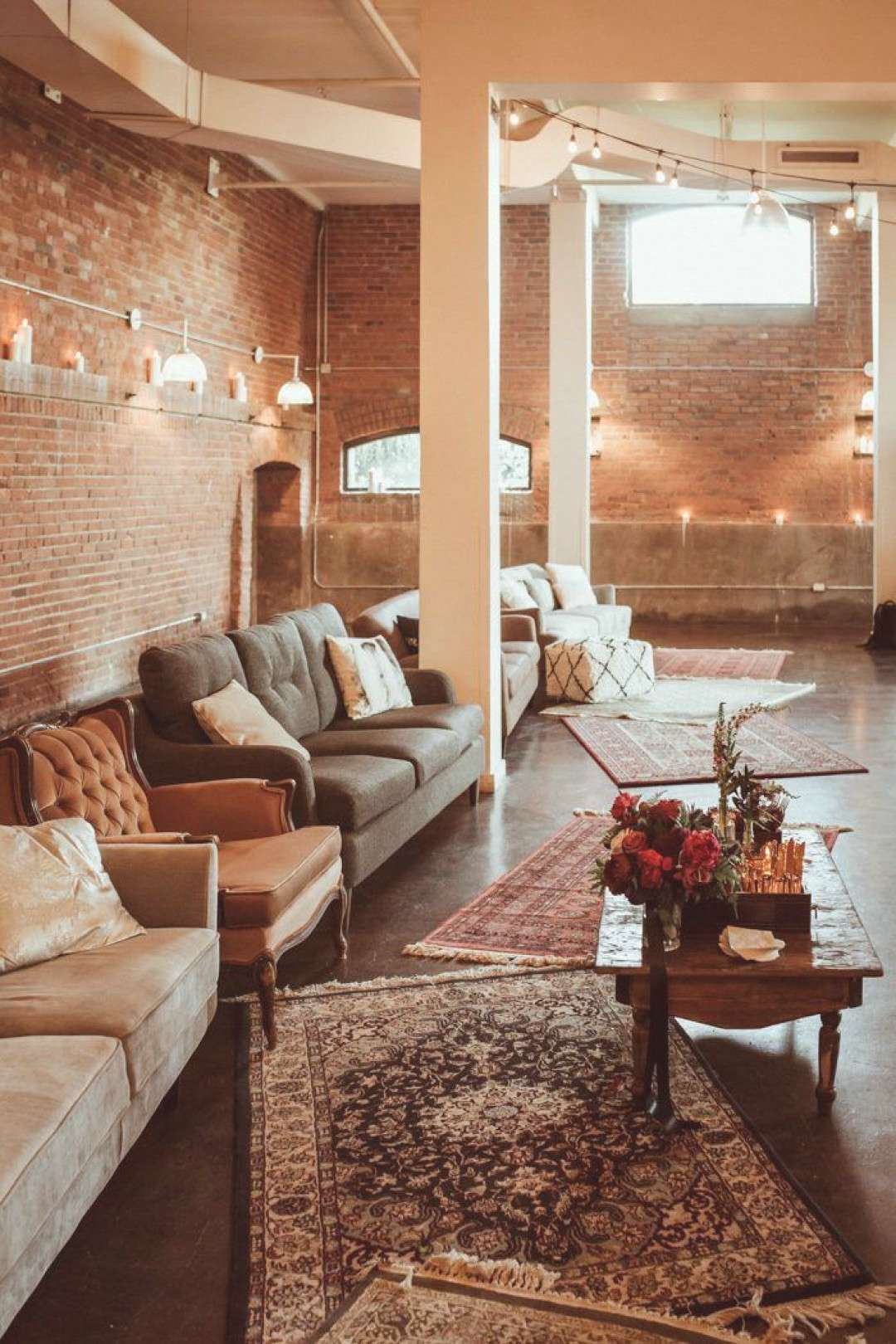 Calling This Industrial Montreal Wedding at Entrepôts Dominion Glamorous Would be an Understatemen